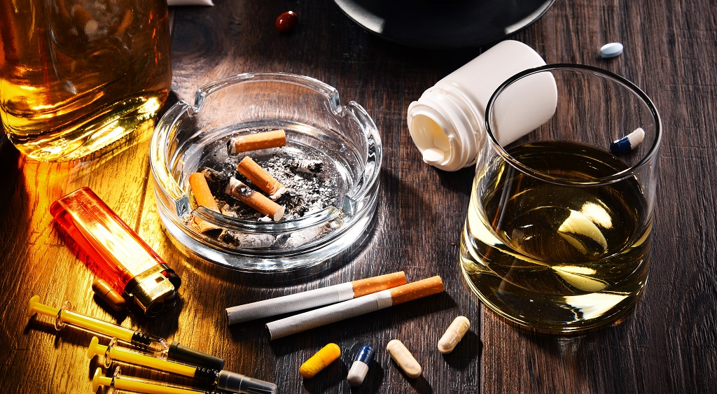 Suchtmittel, einschließlich Alkohol, Zigaretten und Drogen